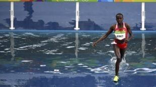 L'athlète bahreïnie d'origine kényane, Ruth Jebet, lors des JO 2016.