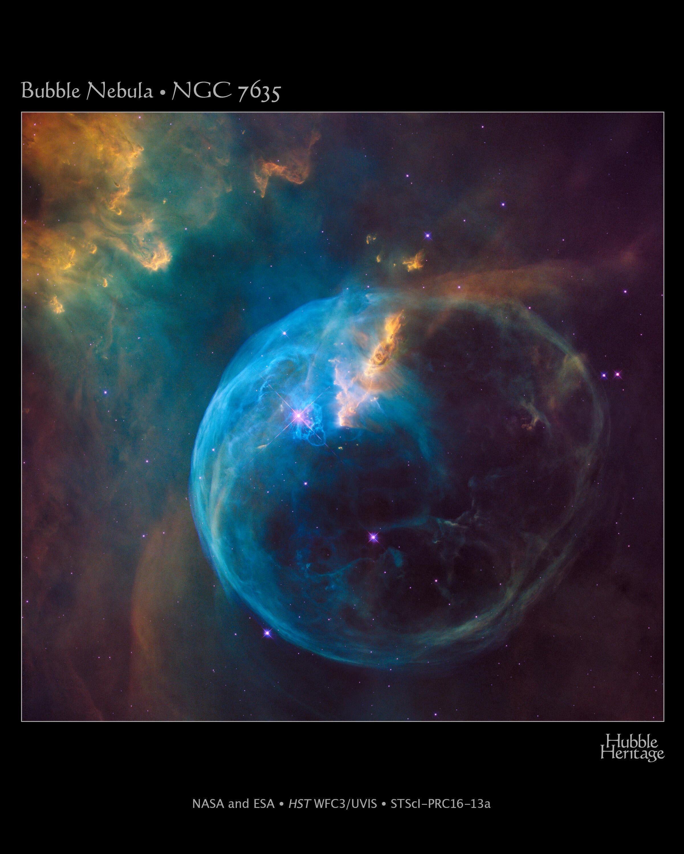 BUBBLE NEBULA (NGC 7635) នេះជារូបភាពដែលណាសាបានជ្រើសរើសយកមកប្រើ ដើម្បីអបអរខួប ២៦ឆ្នាំនៃតេឡេស្កុបអវកាសហឺបល កាលពីឆ្នាំ២០១៦។