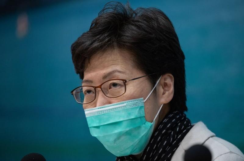 香港特首林郑月娥28日傍晚戴口罩开记者会              2020年1月