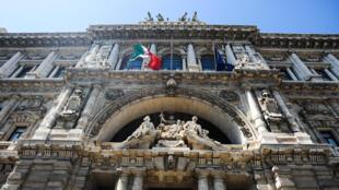 Tribunal de Roma julga novo pedido de extradição de Henrique Pizzolato, condenado no Mensalão.