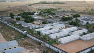 Forças Armadas revistam a Penitenciária Agrícola de Monte Cristo