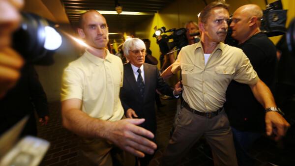 O tribunal de Munique decidiu arquivar o processo contra Bernie Ecclestone, dirigente da Fórmula 1.