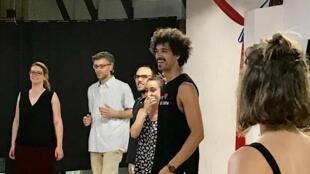 O brasileiroi Enrique Matos durante uma aula em Lisboa
