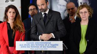 O primeiro-ministro francês, Édouard Philippe, durante encontro ministerial focado nos direitos das mulheres e na igualdade de gênero realizado no Museu Curie, em Paris, em 8 de março de 2018.