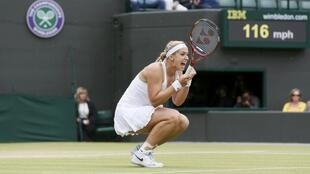 A alemã Sabine Lisicki comemora sua final na partida valendo pelas quartas-de-final do torneio feminino de Wimbledon nesta terça-feira, 2 de julho de 2013.