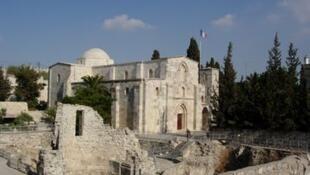 耶路撒冷舊城的法國屬地之一,聖亞納教堂外觀。