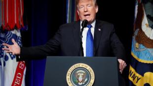 Tổng thống Donald Trump giới thiệu chiến lược phòng thủ chống hỏa tiễn mới của Hoa Kỳ tại Lầu Năm Góc, Arlington, bang Virginia, ngày 17/01/2019.