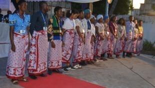 Vijana kutoka Matifa ya Madagascar, Msumbiji na Tanzania walioshindana kughani Mashairi.