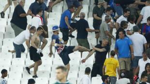 Batalla entre rusos e ingleses en el Estadio Vélodrome de Marsella, 11 de junio de 2016