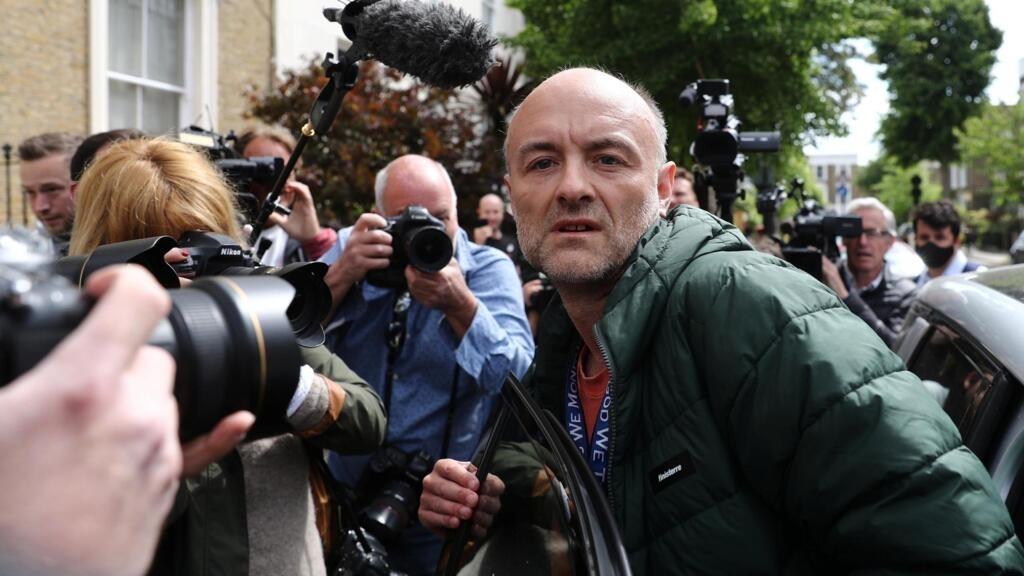 Boris Johnson maintient son conseiller accusé d'avoir enfreint le confinement