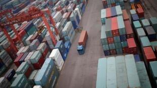 Le déficit commercial des États-Unis pour le mois de mai était en hausse de 8,4% par rapport au mois d'avril.
