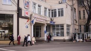 Sous-financé, le secteur de la santé publique roumain fait également face à une pénurie de médecins.