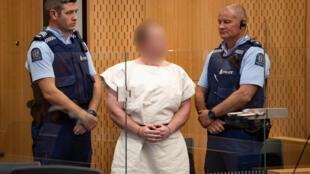 برنتون تارانت در محضر دادگاه: به خاطر ملاحظات امنیتی چهرۀ او در تصاویر مات شده است