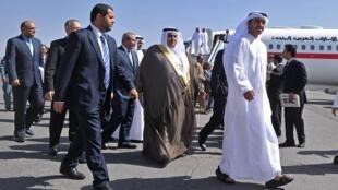 Chegada de delegação dos Emirados Árabes Unidos para conferência de Cabul.
