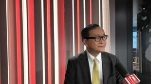 Sam Rainsy, opposant cambodgien, exilé en France.