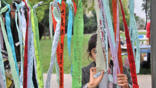 Climate Ribbon Project  comes to Les Lilas, east of Paris.