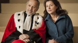 法國電影«L'Hermine»中的男星盧其尼 與女主角Sidse Babett Knudsen