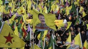 La manifestation annuelle des Kurdes d'Europe qui réclament la libération du leader kurde Abdullah Öcalan dans les rues de Strasbourg, le 15 février 2020.