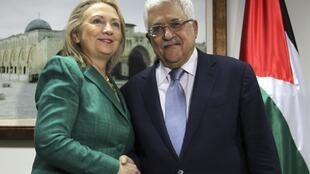 A secretária de Estado americana, Hillary Clinton, se reuniu nesta quarta-feira com o presidente palestino, Mahmoud Abbas, em Ramalá, na Cisjordânia.