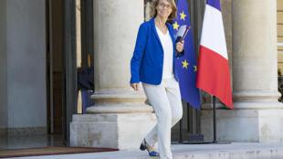 Ministra da Cultura Françoise Nyssen à saída do Palácio do Eliseu, a 3 de agosto de 2018.