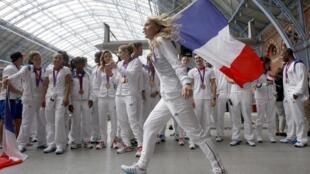 Сборная Франции на вокзале в Лондоне перед отъездом в Париже, 13 августа 2012 года