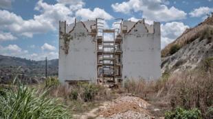 Le gouvernement a construit huit complexes. Deux ont déjà été démolis, un a été évacué et les cinq autres se sont détériorés. Caracas, le 10 mai 2019.