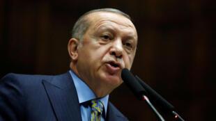 El presidente turco Recep Tayyip Erdogan ante el parlamento en Ankara, el 23/10/2018.