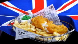 圖為英國大眾食品炸魚薯條