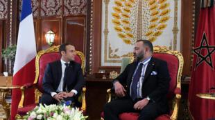 馬克龍與摩洛哥國王穆罕默德六世舉行會談。2017-06-14