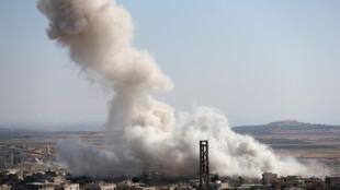 """حملات هوایی بر فراز شهر  """"خان شیخون"""" توسط نیروهای طرفدار رژیم اسد. شنبه ۲۸ تیر/ ١٩ ژوئیه ٢٠۱٩"""