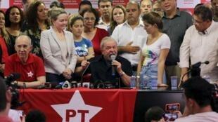 Lula da Silva em conferência de imprensa