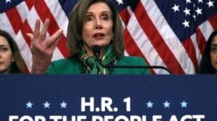 La cheffe de file des démocrates à la Chambre des représentants, Nancy Pelosi organise un vote ce mercredi pour transmettre au Sénat l'acte d'accusation. (photo d'illustration)