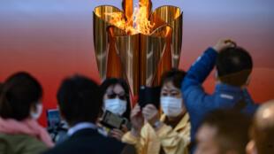 بزرگترین فاجعه بهداشتی قرن حاضر، برگزاری مهمترین رویداد ورزشی در جهان را تحت تاثیر قرار داد. مسابقات بینالمللی المپیک ۲۰۲۰ توکیو به دلیل شیوع ویروس کرونا یک سال به تعویق افتاد.