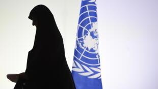 A lei francesa de 2010 que proíbe o uso do véu islâmico integral (burca e niqab) em espaços públicos completa 5 anos.
