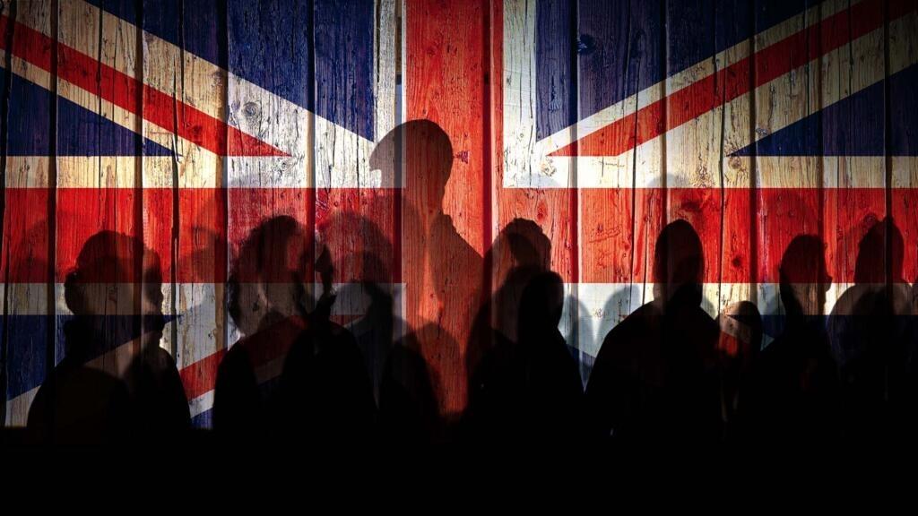 À la Une: la crise de la quarantaine entre Paris et Londres