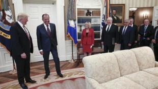 O presidente americano Donald Trump e o chanceler Russo Serguei Lavrov em encontro na Casa Branca