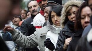 Difficile retour des migrants équatoriens dans leur pays, après plusieurs années passées en Espagne, malgré la mise en application d'un programme du gouvernement équatorien.