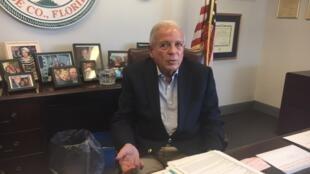Томас Регаладо занимает пост мэра Майами с 2009 года.