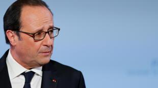 François Hollande fez seu último discurso de Ano Novo como presidente da França