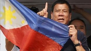 The Philppines new President Rodrigo Duterte says he wants dialogue with China