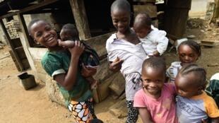 Enfants camerounais réfugiés dans l'État de Cross River au Nigeria, en février 2018.