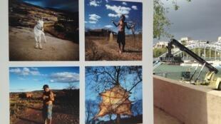 Exposição da quarta edição do Photoquai, bienal de fotografia  em Paris.