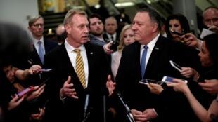 Quyền bộ trưởng Quốc Phòng Mỹ  Patrick Shanahan (T) và ngoại trưởng Mỹ Mike Pompeo sau cuộc họp về tình hình Iran tại Thượng Viện, Washington ngày 21/05/2019., 2019.