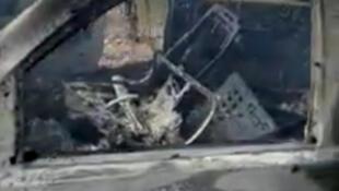 Destroços queimados de veículo que transportava uma família mórmon perto da fronteira com os EUA.