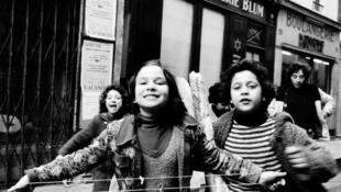 Rue des Rosiers, 1975.