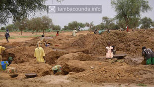the gold mine site in Mamakhono situated on the Senegal/Mali border in eastern Senegal