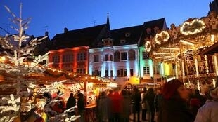Không khí mua sắm quà tặng tại các ngôi chợ Noel (DR)