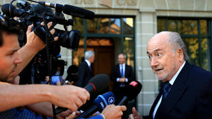 Blatter na chegada ao Tribunal Arbitral do Esporte