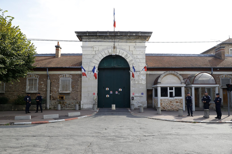 A penitenciária de Fresnes, na região parisiense, uma das maiores do país, onde o primeira morte de um preso por coronavírus foi registrada em 18 de março de 2020.