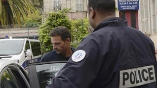Jerome Kerviel leaves Menton police station bound for prison in Nice, 19 May, 2014